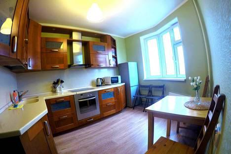 Сдается 1-комнатная квартира посуточно в Железнодорожном, улица Струве, 3.