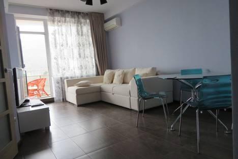 Сдается 2-комнатная квартира посуточно в Партените, ул. Прибрежная,7.