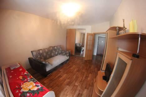Сдается 1-комнатная квартира посуточно в Красноярске, Парусная улица, 12.