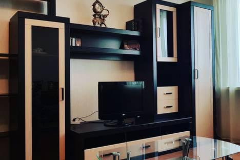 Сдается 2-комнатная квартира посуточно, улица Карякина, 20.