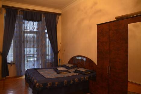 Сдается 2-комнатная квартира посуточно в Баку, Bakı, Üzeyir Hacıbəyov, 6.