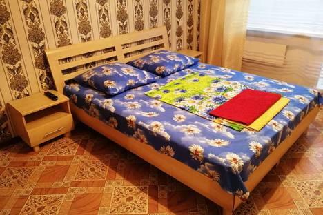 Сдается 1-комнатная квартира посуточно в Минусинске, улица Ванеева, 13.