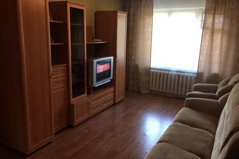 Сдается 2-комнатная квартира посуточно в Минусинске, улица Тимирязева, 7.