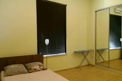 Сдается 1-комнатная квартира посуточно в Ялте, улица Гоголя, 28.