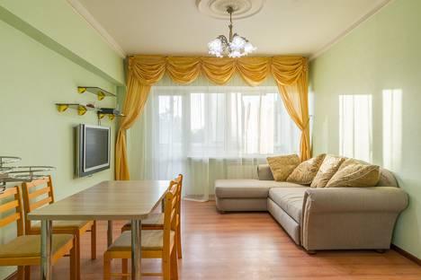 Сдается 2-комнатная квартира посуточно в Сочи, улица Кубанская, 12.