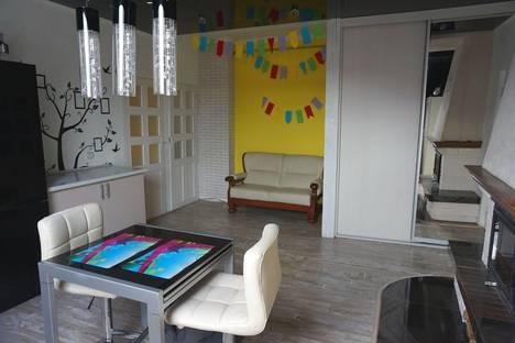 Сдается 4-комнатная квартира посуточно в Зеленоградске, улица Октябрьская 4.
