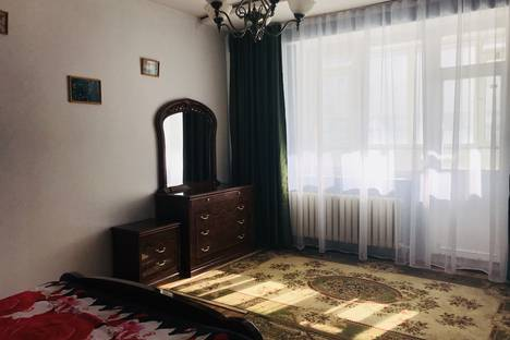 Сдается 4-комнатная квартира посуточно в Астане, Дильмухамет Кунаева 14/2.