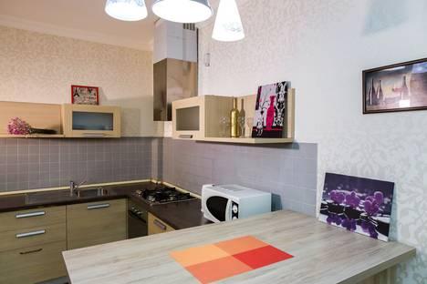 Сдается 3-комнатная квартира посуточно, ул. Бесика, 4, Проспект Руставели.