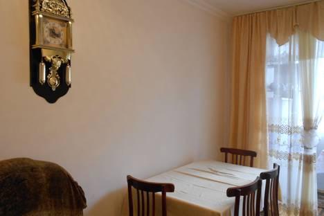 Сдается 3-комнатная квартира посуточно в Пицунде, улица Агрба 23/2.