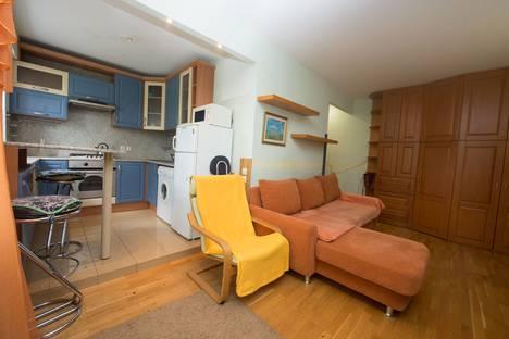 Сдается 2-комнатная квартира посуточно в Иванове, проспект Ленина, 98.