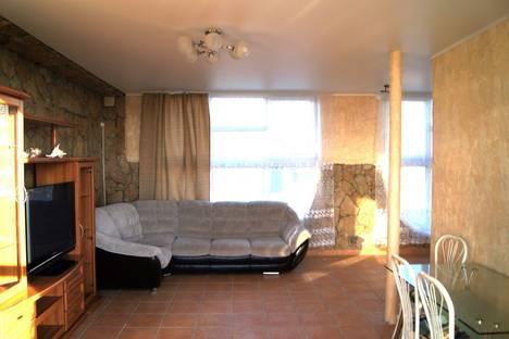 Сдается 3-комнатная квартира посуточно в Витязеве, Лиманная улица, 12а.