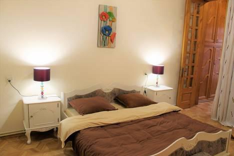 Сдается 4-комнатная квартира посуточно в Тбилиси, Tbilisi, Shota Rustaveli Avenue, 1.