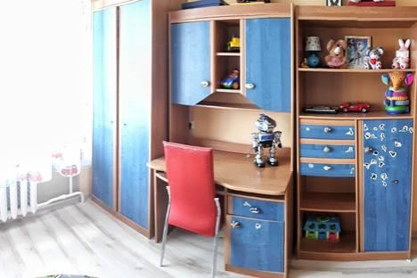 Сдается 3-комнатная квартира посуточно в Пскове, Коммунальная улица, 44А.