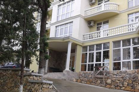 Сдается 1-комнатная квартира посуточно в Гаспре, Республика Крым, городской округ Ялта,Алупкинское шоссе, 58Дк1.