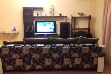 Сдается 2-комнатная квартира посуточно в Тюмени, Солнечный проезд, 7.