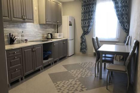 Сдается 3-комнатная квартира посуточно, проспект Победы, 139 корпус 2.