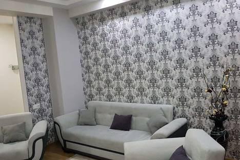 Сдается 3-комнатная квартира посуточно, Ул. Мераб Костава, 68.