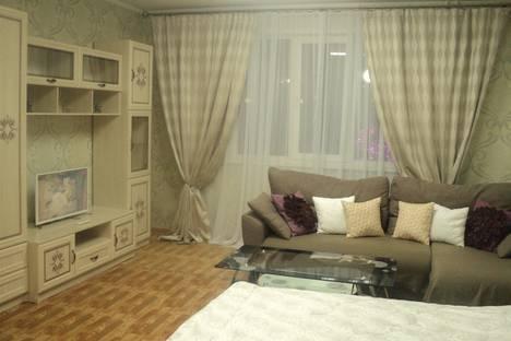 Сдается 1-комнатная квартира посуточно в Красноярске, улица Авиаторов, 66.