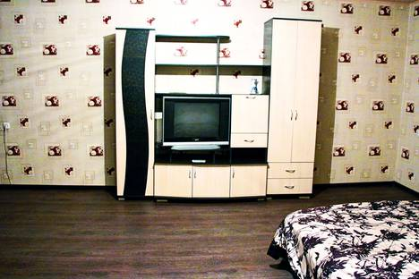 Сдается 1-комнатная квартира посуточно в Абакане, Советская улица, 48.
