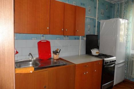 Сдается 3-комнатная квартира посуточно в Яровом, квартал A, дом 11.