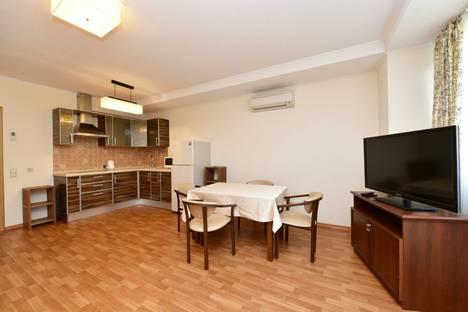 Сдается 2-комнатная квартира посуточнов Ялте, улица Володарского, 1.