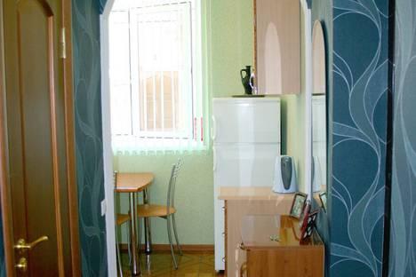 Сдается 2-комнатная квартира посуточно в Геленджике, улица Халтурина, 21.