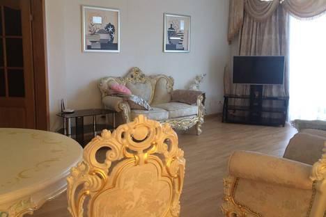 Сдается 3-комнатная квартира посуточно в Ялте, улица Генерала Манагарова, 4.