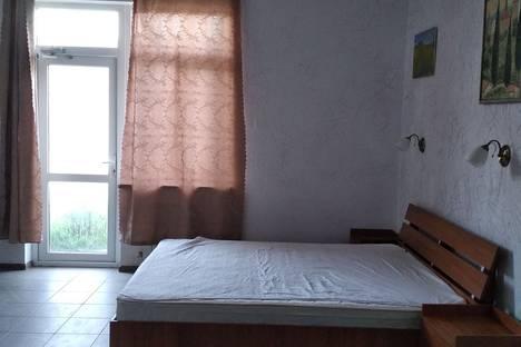 Сдается коттедж посуточно в Севастополе, улица Военных строителей 12/1.