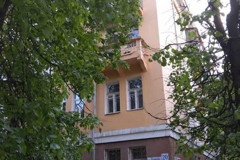 Сдается 2-комнатная квартира посуточно в Иванове, улица Калинина, 20.