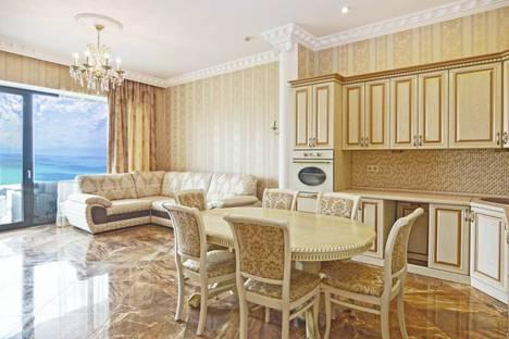 Сдается 3-комнатная квартира посуточно, Курортный проспект, 105А.