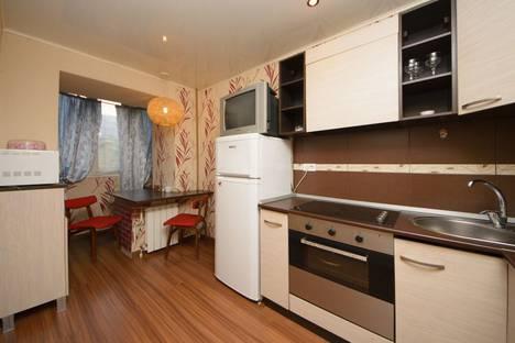 Сдается 1-комнатная квартира посуточно в Челябинске, улица Цвиллинга, 66.