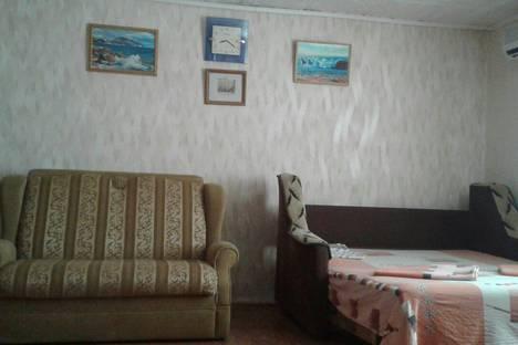 Сдается 1-комнатная квартира посуточно в Алупке, улица Амет-Хана Султана, 21.