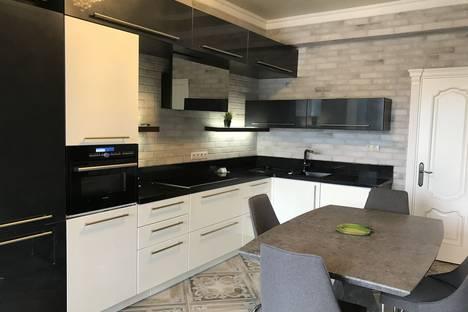 Сдается 3-комнатная квартира посуточно в Адлере, улица Лесная, 10.
