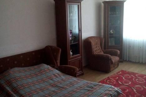 Сдается 2-комнатная квартира посуточно в Судаке, улица Бирюзова, 6А.