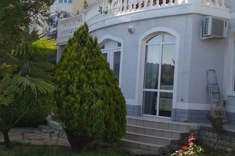 Сдается 1-комнатная квартира посуточно в Сочи, улица Клубничная, 1.