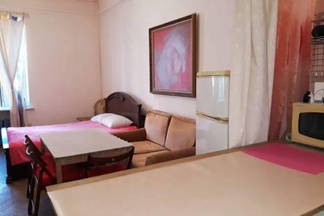 Сдается 2-комнатная квартира посуточно в Санкт-Петербурге, Каменноостровский проспект, 14.