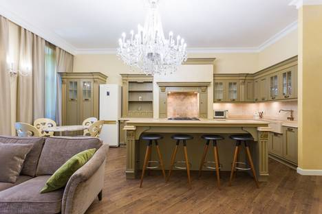 Сдается 3-комнатная квартира посуточно в Санкт-Петербурге, Литейный проспект, 46.