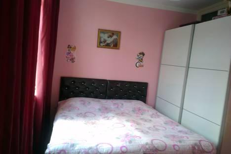 Сдается 4-комнатная квартира посуточно в Кобулети, Kobuleti, Руставели  160е.
