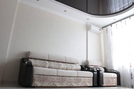 Сдается 1-комнатная квартира посуточно в Адлере, Большой Сочи, улица Тюльпанов, 1/3.
