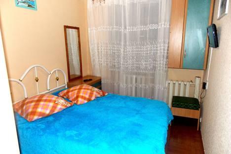 Сдается 2-комнатная квартира посуточно в Судаке, улица Маршала Бирюзова, 2.