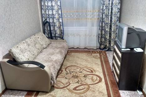Сдается 1-комнатная квартира посуточно в Саянске, Ленинградский микрорайон, 17.