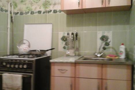 Сдается 1-комнатная квартира посуточно в Киеве, Київ, вулиця Мілютенка, 28.