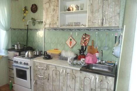 Сдается 1-комнатная квартира посуточно в Яровом, квартал Б, 2.