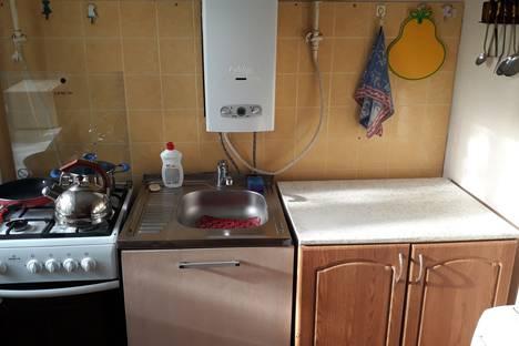 Сдается 2-комнатная квартира посуточно в Павлове, переулок Суворова, д 18.
