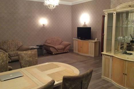Сдается 5-комнатная квартира посуточно, Невский проспект, 40.
