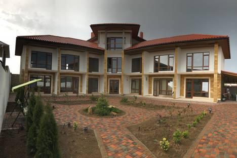 Сдается 1-комнатная квартира посуточно в Заозерном, Евпатория, ул Солнечная, д 9.