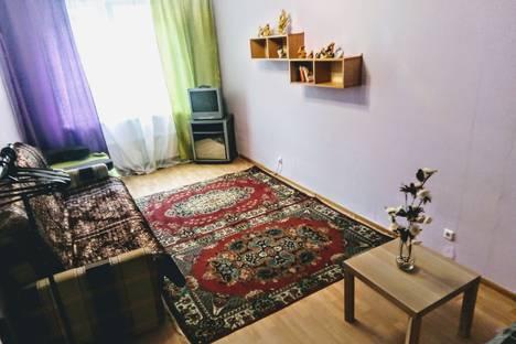 Сдается 1-комнатная квартира посуточно в Екатеринбурге, улица Краснолесья, 165.