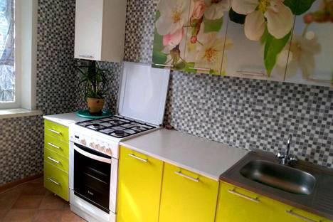 Сдается 2-комнатная квартира посуточно в Солигорске, улица Строителей.
