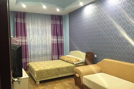 Сдается 3-комнатная квартира посуточно в Якутске, 203 мкрн 6 корпус.