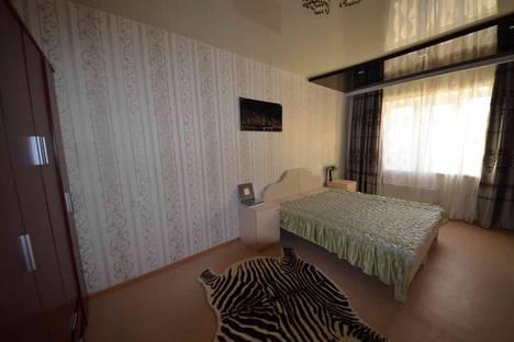 Сдается комната посуточно в Якутске, 203 микрорайон 6 корпус.